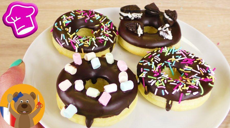 Donuts avec glaçage au chocolat 🍩 DélicieuxDonuts qui sortent du four | Moules en silicone