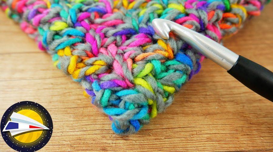 Crocheter un snood   Mini point V   Echarpe pour l'automne diy